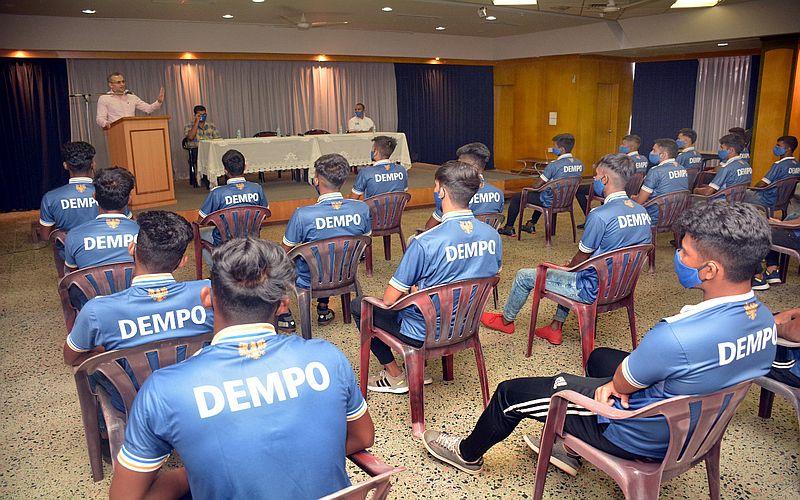 Club President, Mr. Shrinivas Dempo addressing the Dempo Sports Club - Senior Team